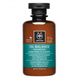 Apivita Σαμπουάν για τη Ρύθμιση της Λιπαρότητας Μέντα & Πρόπολη Oil Balance Shampoo Peppermint & Propolis 250ml